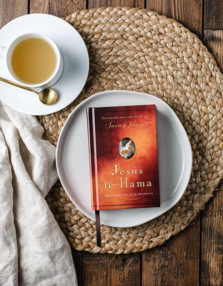 Jesus te llama hardcover book with tea
