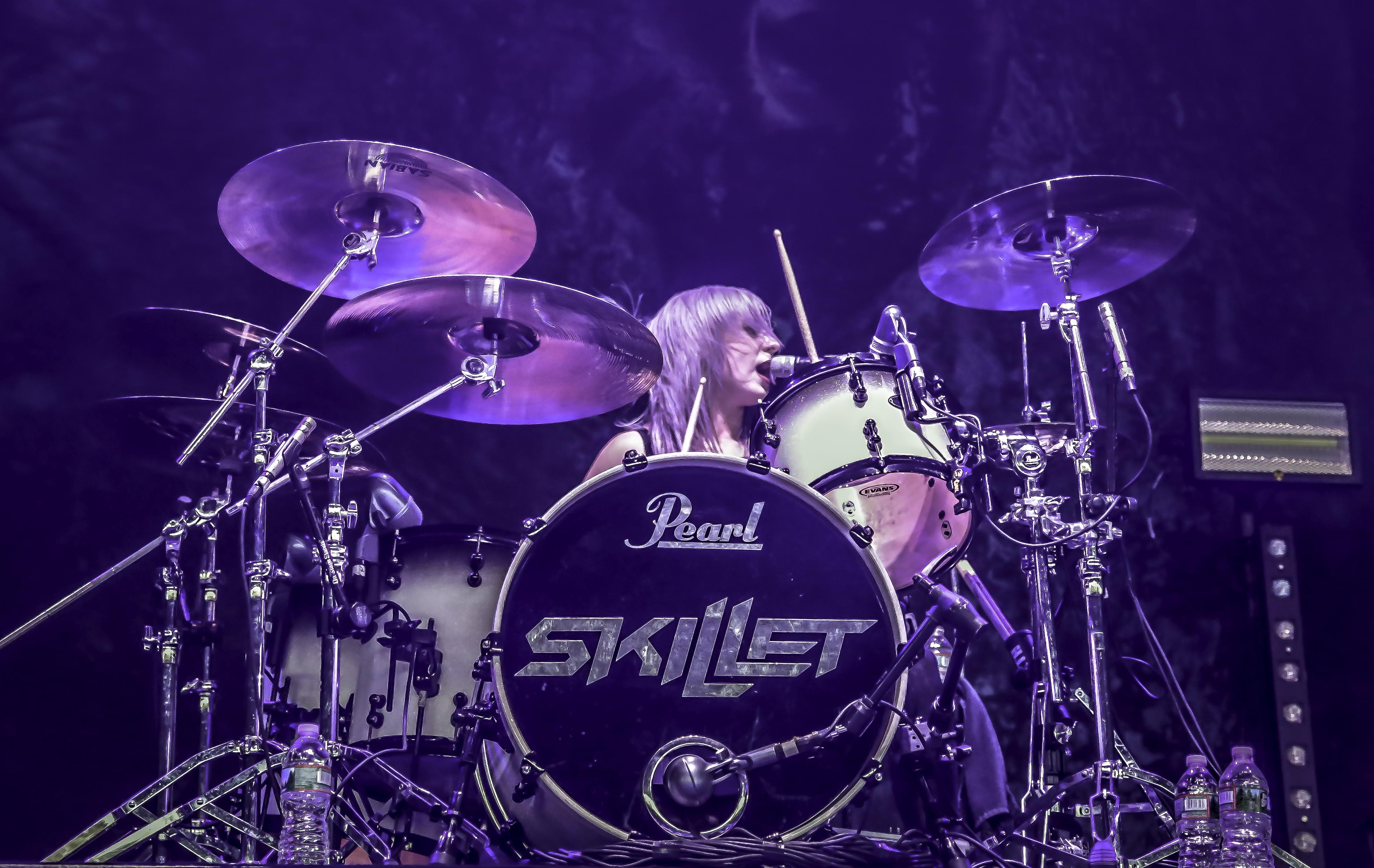 Jen Ledger - Skillet on Serenity of Summer Tour with Korn Camden NJ 7-26-17