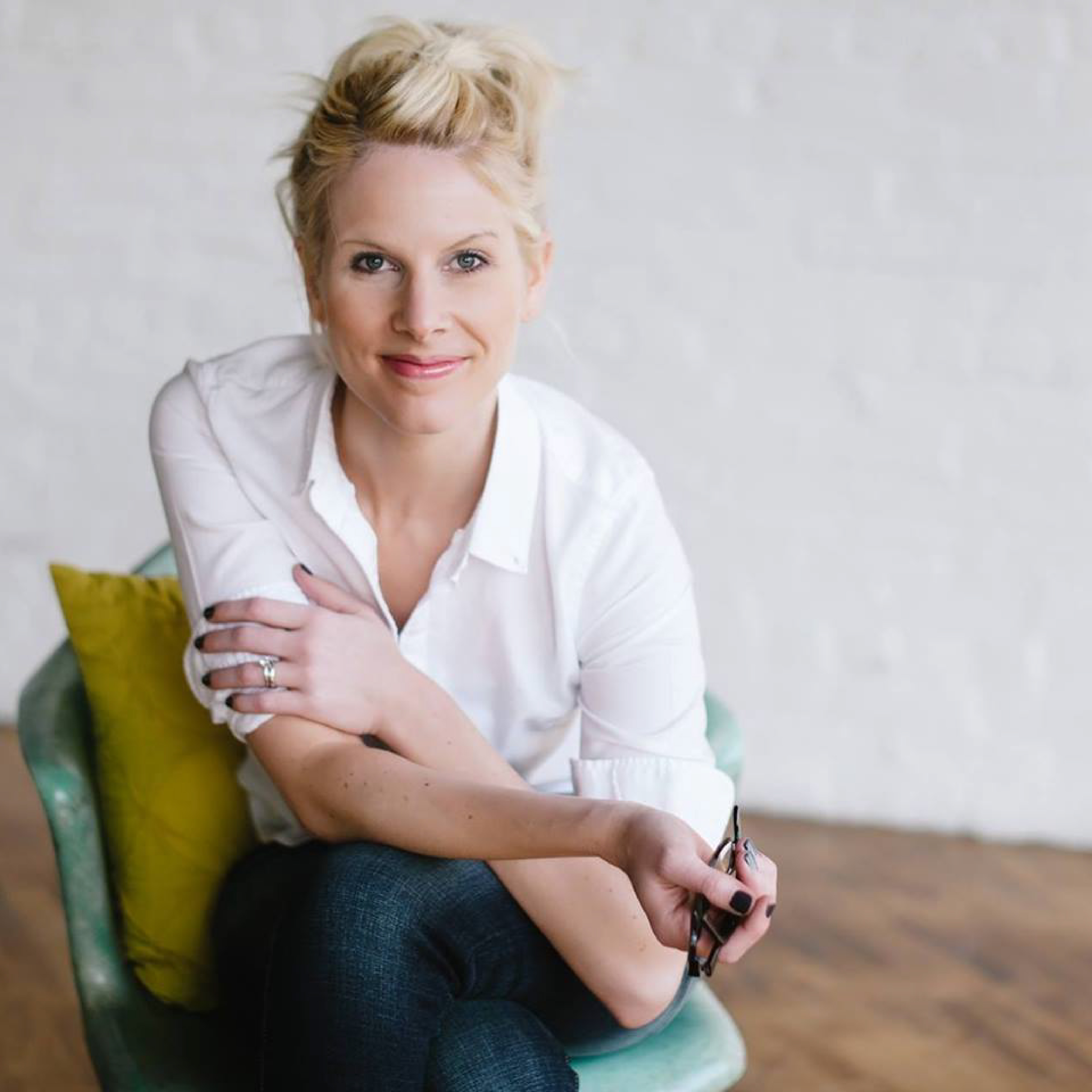 Christian fiction author, Kristy Cambron as featured on Jesus Calling podcast
