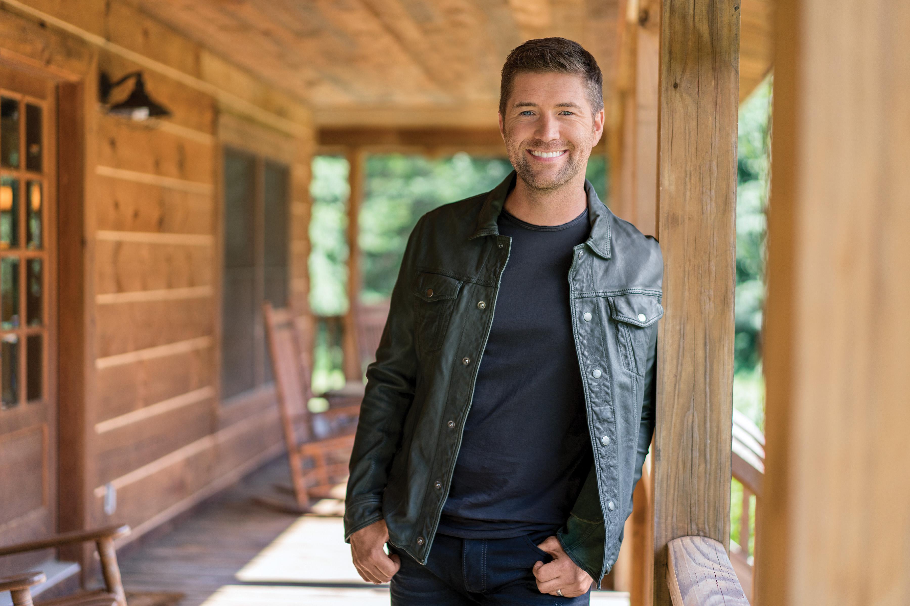 Josh Turner joins Jesus Calling podcast to share about his new Gospel album, I Serve a Savior