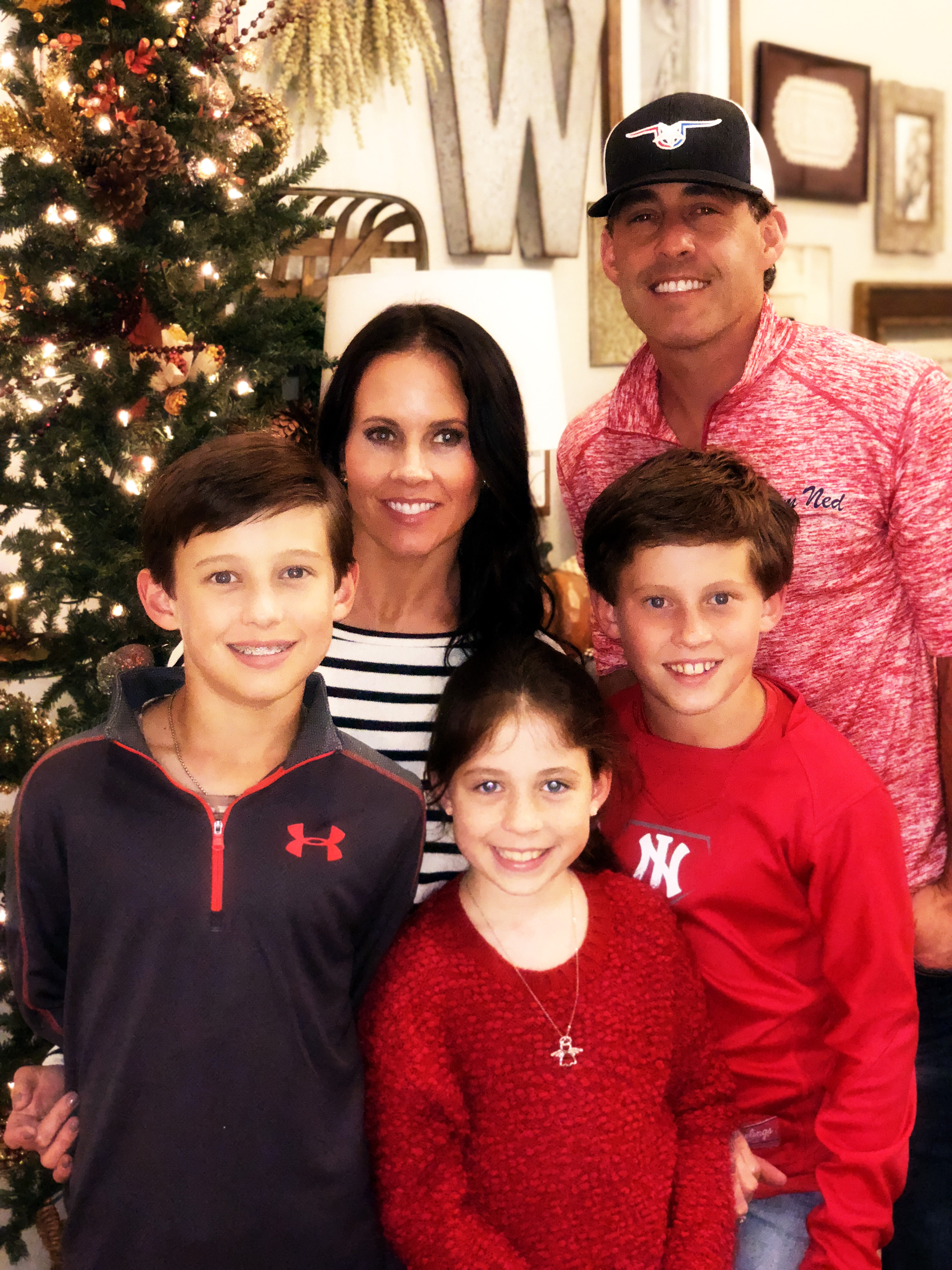 Country music's Aaron Watson and his family
