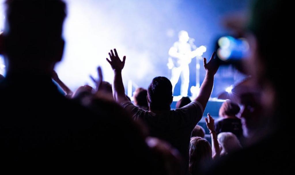Chris Tomlin declaring God's Worship