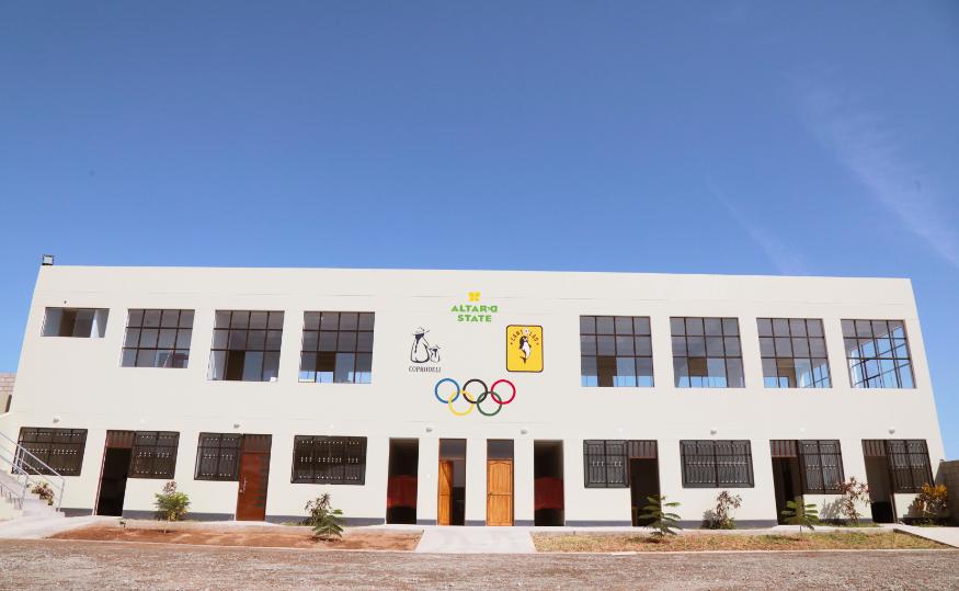 Altar'd State building schools in Peru