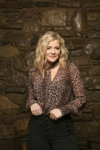 Lauren Alaina: Loving Yourself and Knowing Who You Are