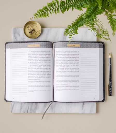 Jesus Calling Notetaking edition interior page view
