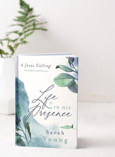 Jesus Calling podcast #214 featuring Jesus Calling LIFE IN HIS PRESENCE journal